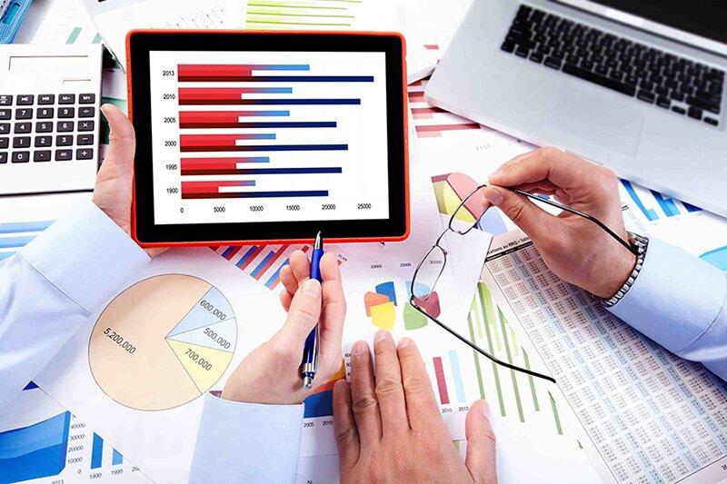 بررسی نقاط ضعف و قدرت سازمانها از ویژگی های نرم افزار حسابداری شرکت های بزرگ می باشد